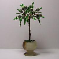 Миниатюрное дерево счастья из змеевика в вазочке из оникса