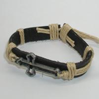Купить кожаный браслет Звенислава с крестом. Купить мужские и женские кожаные браслеты