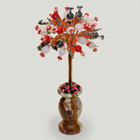 Дерево из гематита, коралла и розового кварца Райская птичка